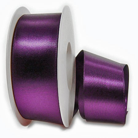Satinband SINFINITY, violett: 38mm breit / 25m-Rolle, mit feiner Webkante.