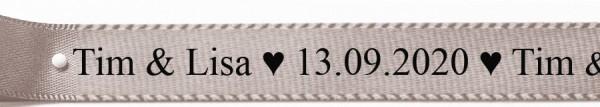schwarzer Text - Classic Schrift auf silbergrauem Satinband: 15mm breit / 25m-Roille