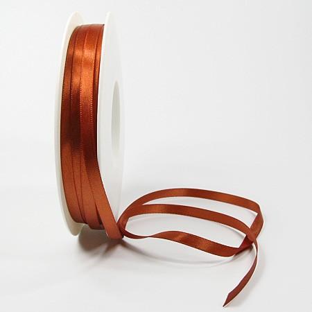 Satinband SINFINITY, mocca: 6mm breit / 50m-Rolle, mit feiner Webkante.